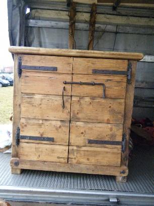 Mobili jury mobili realizzati in legno di recupero for Mercato arredamento