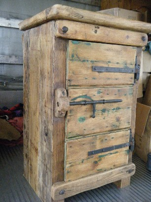 Mobili jury mobili realizzati in legno di recupero - Mobili di antiquariato ...